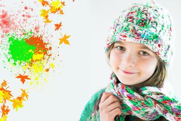 bambina con cappellino colorato