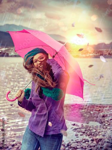 Leinwandbild Motiv stürmischer Regen / pink umbrella 03