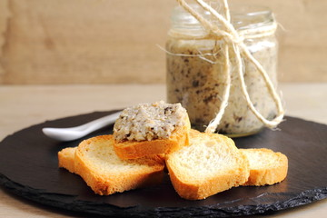 Melba toasts with mushroom pate or spread