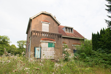 Inhabitable old house