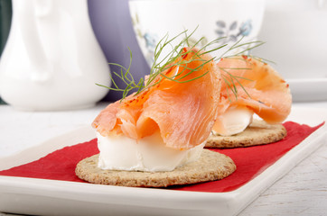 oatcakes with soft cheese and salmon