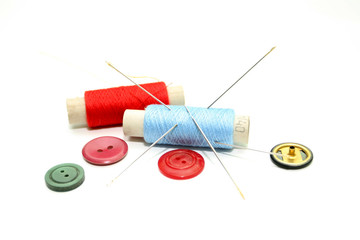 Set of hanks of multi-colored threads for sewing