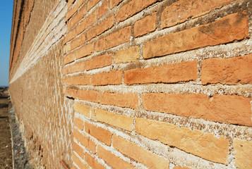 Muro di mattoni rossi, Roma, Italia
