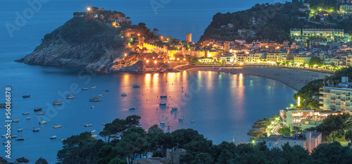 canvas print picture der beliebte Badeort Tossa de Mar an der Costa Brava