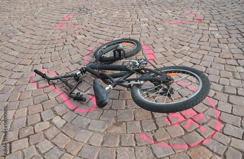 Leinwanddruck Bild fahrradunfall