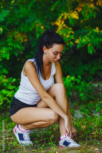 running tying woman shoes sports shoe sport runner up athlete jo