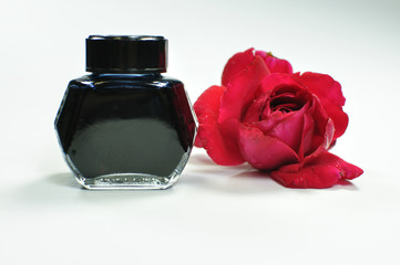 Flacon noir et rose