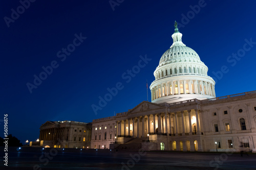 Fotobehang Historisch geb. Night view on US Capitol in Washington DC, USA