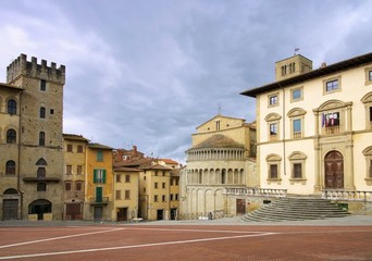 Arezzo Piazza Grande 02