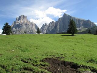 Sassolungo e Sassopiatto. Dolomiti, Val Gardena