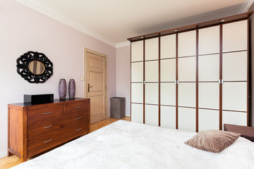 Vintage mansion - partition wall