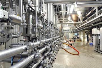 Rohrleitungssystem in Brauerei // pipelines