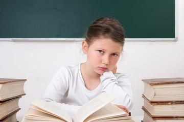 Schülerin  leidet unter Leistungsdruck