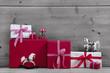 Weihnachtskarte - klassisch in rot weiß kariert als Hintergrund
