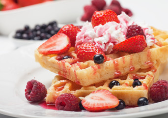 Waffle with fresh fruit and cream