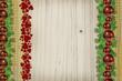 Weihnachtsfarben klassisch auf Holz