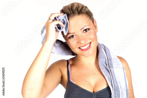 Junge Frau nach dem Fitnesstraining