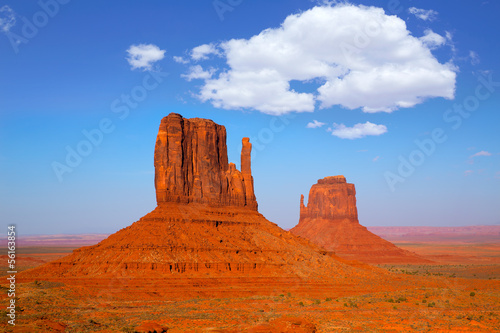 Foto op Canvas Baksteen Monument Valley West and East Mittens Butte Utah