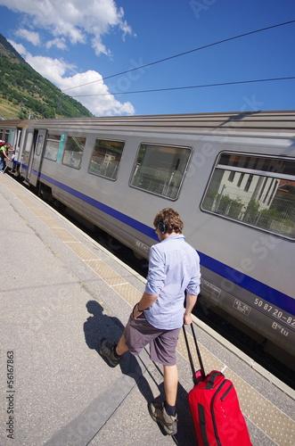 train en gare de bourg saint maurice - savoie