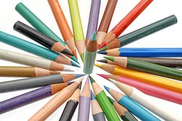 Buntstifte aus Holz benutzt