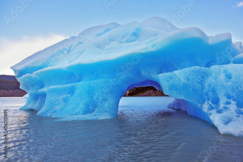 The harmony of the iceberg and cold water