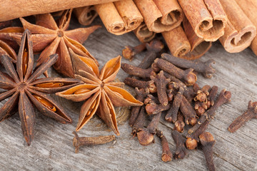 Anise, cinnamon and clove spices