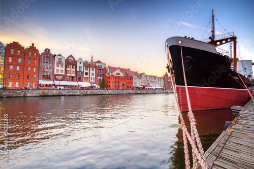 Sunset in old town of Gdansk at Motlawa river, Poland © Patryk Kosmider