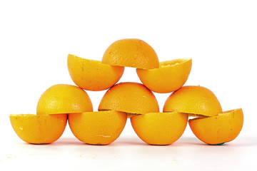 Kunstwerk aus Orangenschalen