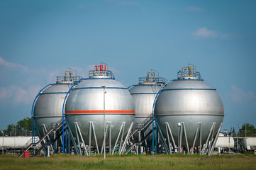 Oil and gas industry tanks