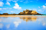 Fototapety Saint Malo Fort National and beach, low tide. Brittany, France.