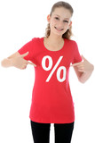 Teenager im roten Sale-Shirt