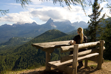 Wanderin in den Dolomiten - Alpen