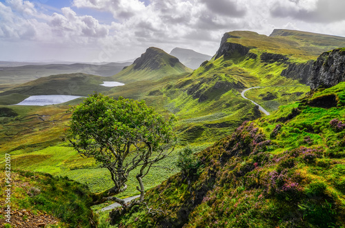 Foto op Plexiglas Noord Europa Scenic view of Quiraing mountains in Isle of Skye, Scottish high