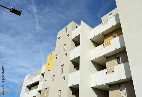 IMMOBILIER CONTEMPORAIN