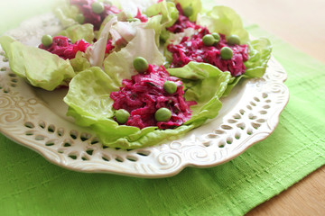 salad with beets, lettuce, peas