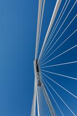 Kolumna mostu wiszącego