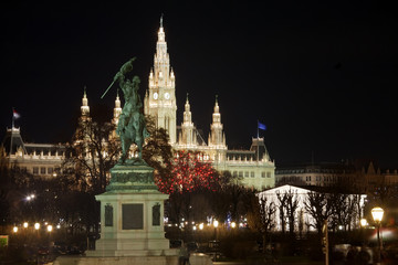 Denkmal mit Reiter Wien vor Weihnachtsmarkt