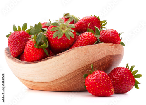 Strawberries in wooden bowl cutout