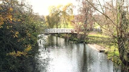 小川からの橋-イギリス