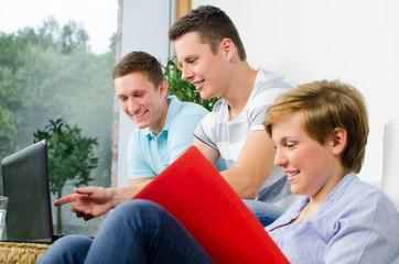 studenten haben spaß beim lernen