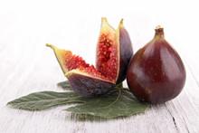 figue fraîche et de feuilles