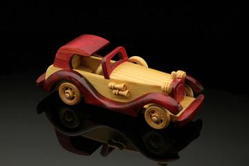 Automobile di legno