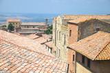 Wspaniały pejzaż starego miasta w Volterra w Toskanii, Włochy - 56437818