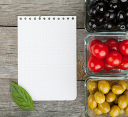 Blank notepad paper for your recipes and fruits