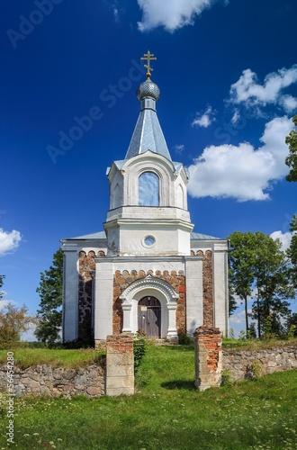 Старая сельская церковь.