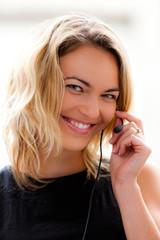 Femme et hotline
