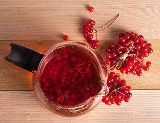 Tea with viburnum berries