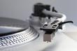 Plattenspieler mit Schallplatte und Tonabnehmer