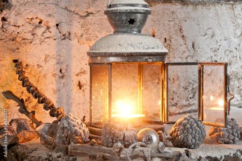 Leinwandbild Motiv Laterne im Winter