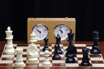gioco di scacchi con orologio